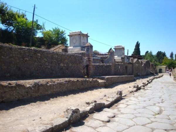 Pompei, Via dei Sepolcri. ajpg