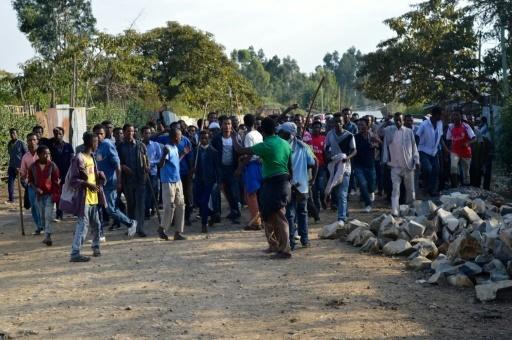 Des manifestants du peuple Oromo, le 15 décembre 2015 près d'Addis Abeba