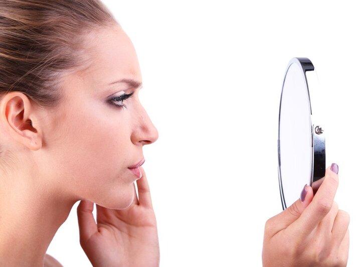 Les poils du visage peuvent trahir un dysfonctionnement des ovaires.