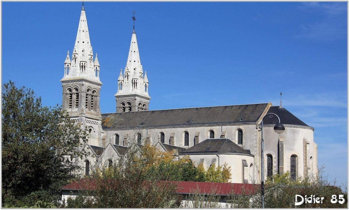 (85) Vendée - Les Essarts (1) - Eglise