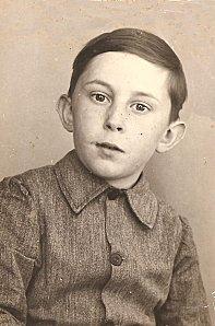 Jean-Pierre à l'école vers la fin des années 1950-2 001