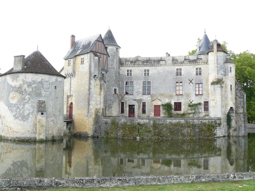 Défi 1 mois, une photo de Khanel - Un chateau