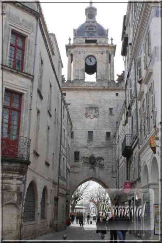 La Rochelle rue de la Grosse Horloge