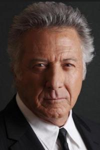Dustin Hoffman Filmographie ; Dustin Hoffman est un acteur américain, né le 8 août 1937. Également producteur et réalisateur, il est notamment connu pour ses prestations d'antihéros versatiles et de personnages vulnérables. ...