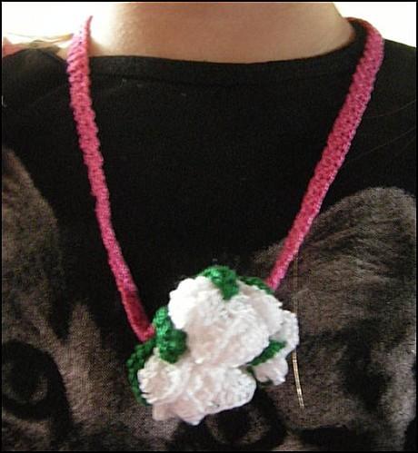 collier-rose-de-Flomelle.JPG