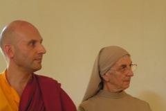 Lama Jigmé Thrinlé Gyatso Thrinlé et Soeur Samuel Noguet Debat au colloque chrétiens-bouddhistes de 2015, CTM et Drukpa Grenboble.