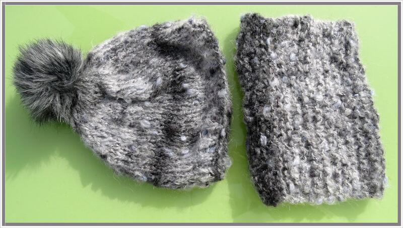 Ensemble Bonnet à pompon et manchon Plassard noir et blanc