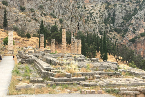 Delphes - le temple d'Apollon