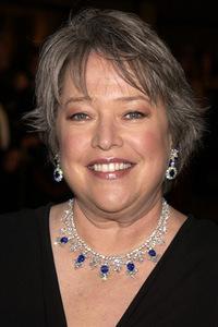 Kathy Bates Filmographie : Kathy Bates est une actrice, réalisatrice et productrice américaine née le 28 juin 1948 à Memphis (Tennessee). En 1991, elle obtient l'Oscar de la meilleure actrice pour son rôle dans le film Misery.