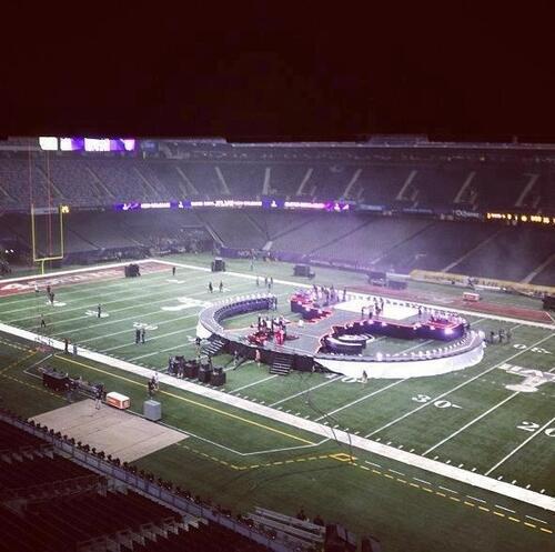 Scène pour la performance au Super Bowl!
