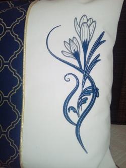 COUSSIN bleu paon