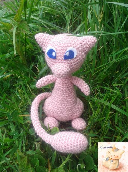 Mew Pokémon au Crochet