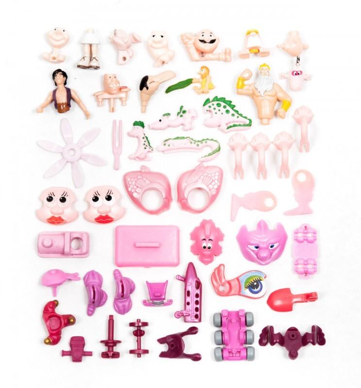 piece kinder surprise couleur classement 06 744x800 Des pièces de Kinder Surprise classées par couleurs