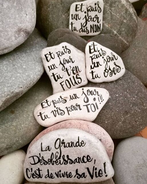 51 Likes, 2 Comments - Carine Cr&eacute;ation (@carinecreation65) on Instagram: &ldquo;Des mots, des phrases qui font du bien  	</div><div id=