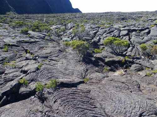 La formation de la Réunion, île volcanique.