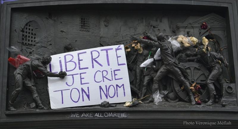 Hommages aux victimes du terrorisme place de la République