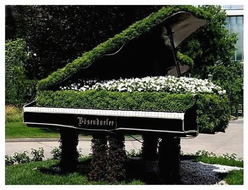 Le piano au jardin...