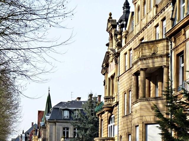 Avenue Foch de Metz 33 04 02 2010