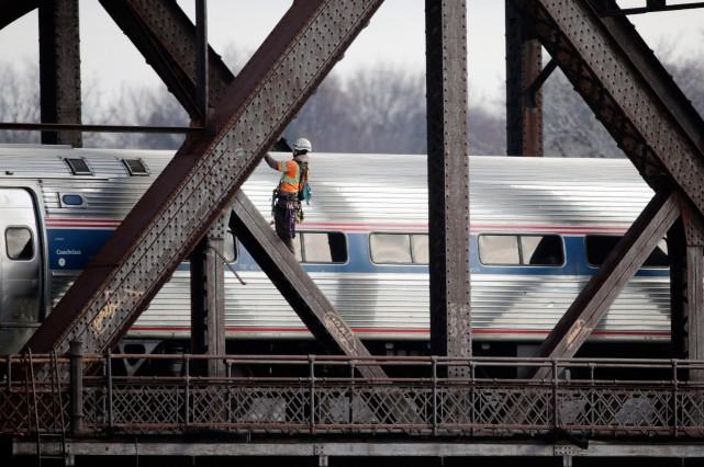 Le train Adirondack d'Amtrak rejoint New York en... (PHOTO ARCHIVES AP)