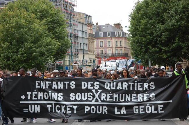 """Un texte ultra-intéressant : """"La bataille de Villiers-le-Bel"""" par Matthieu Rigouste (8 ans après le début des émeutes qui avaient frappé cette banlieue francilienne)"""