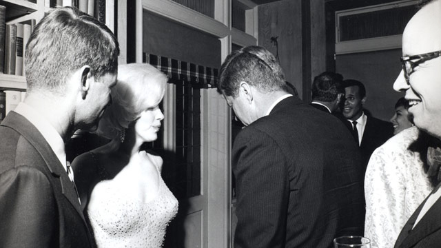 Fichier:JFK and Marilyn Monroe 1962.jpg