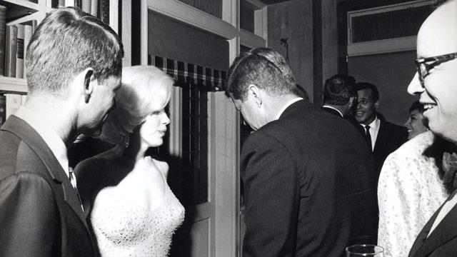 Fichier:JFK and Marilyn Monroe 1962.jpg