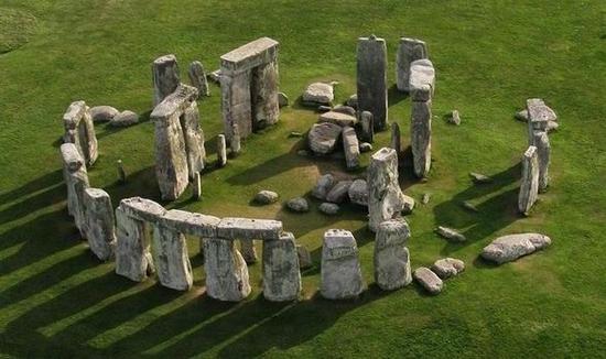 stonehenge-409933