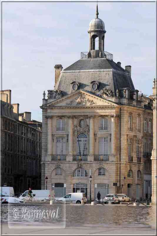 Bordeaux Place de la Bourse pavillon central