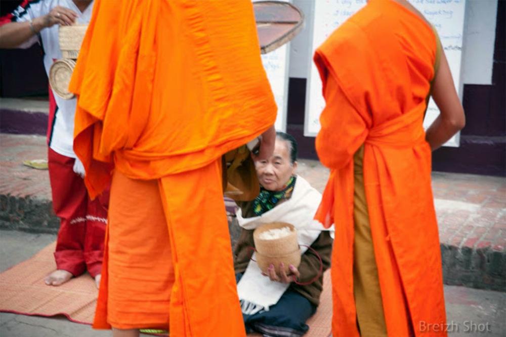 offrandes aux moines - Luang Prabang