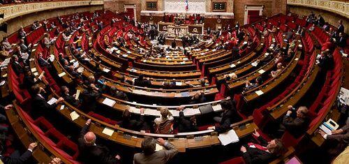 L'ASSEMBLÉE NATIONALE EN DESORDRE DE MARCHE...