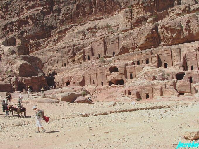 """Coronavirus: Le confinement et le partage du Voyage en virtuel """" la Jordanie """"  < 5 >"""