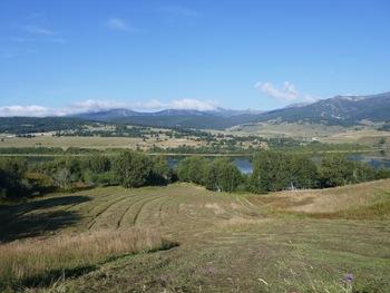Vers l'ouest : les pistes de Puyvalador (à droite) et de Formiguères (à gauche)