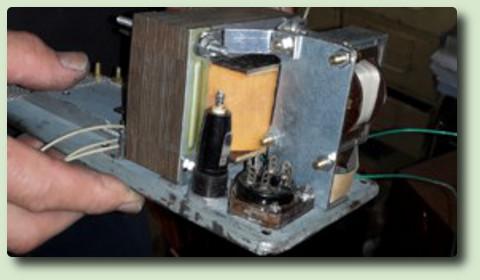 Fabrication de valises de la Résistance F8BSV