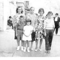 Benoîte, Marie.mes cousins,Annie et Christian,Un copain,Dominique  et moi