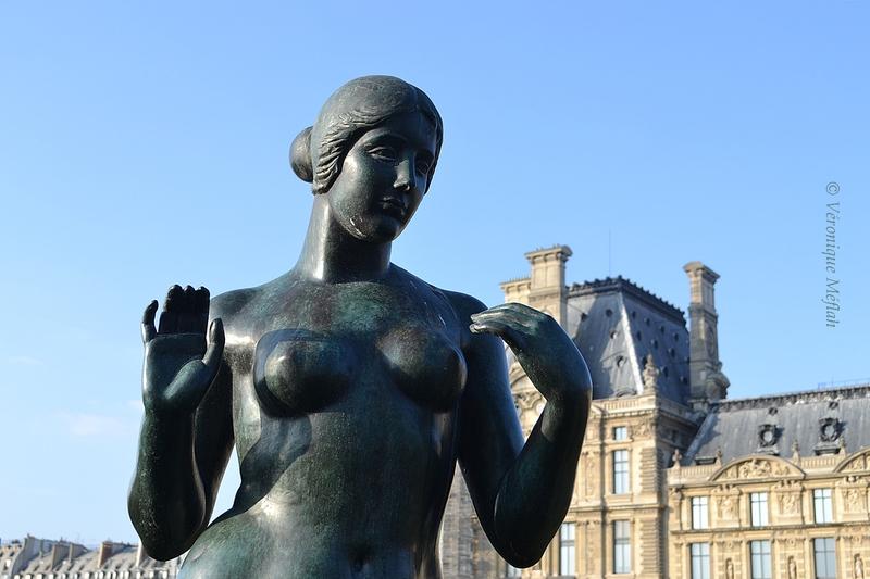 Jardin du Carrousel : Aristide Maillol : Vénus et la Baigneuse aux bras levés