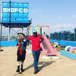Madonna en visite humanitaire et culturelle au Kenya