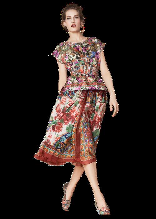 Femme vétue multicolore 4