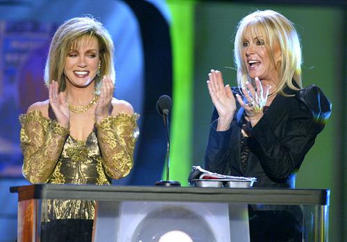 Donna Mills et Joan Van Ark lors des TV Land Awards.