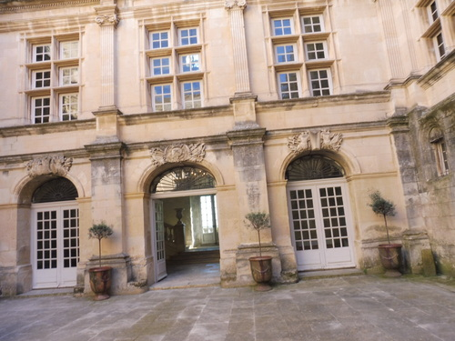 Château de Suze-la-Rousse.