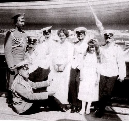 Grand Duchesses Olga and Anastasia with some officers of the Standart: 1912.