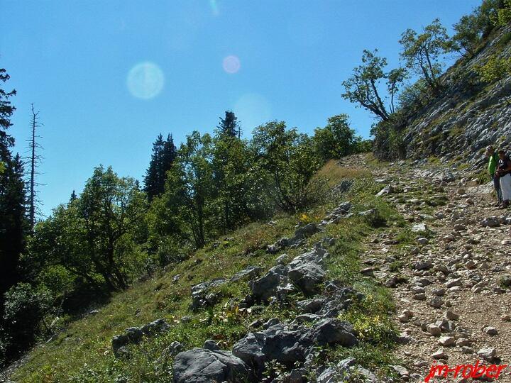 Isère: l'ascension de la grande Sure ( 1920m) par le col de la grande Vache en été en 2012.