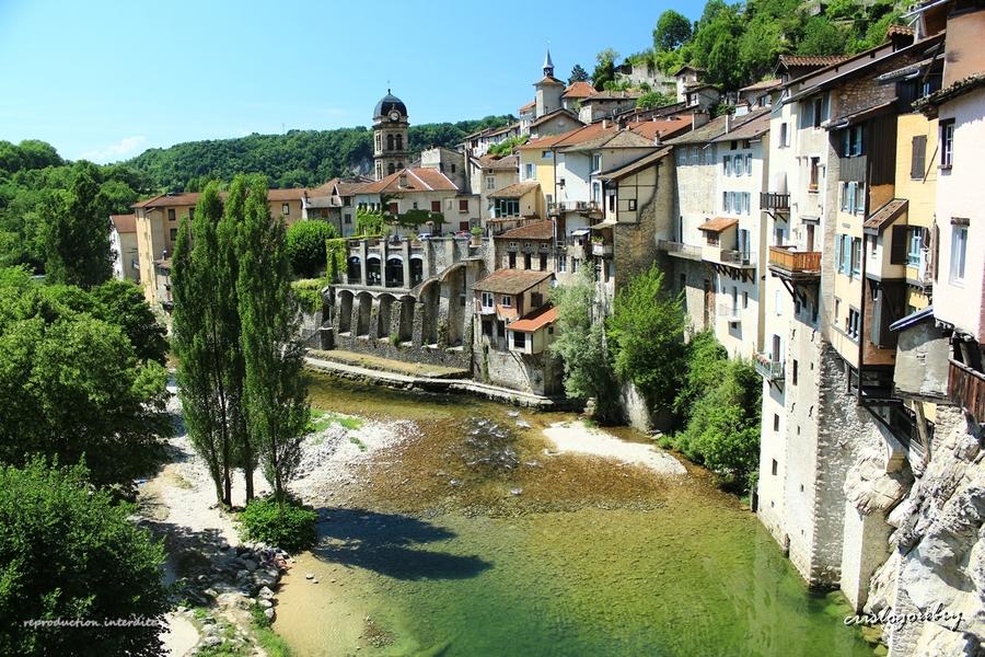 Pont en Royan (Isère)