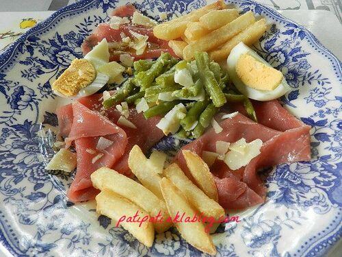 Carpaccio de boeuf- salade de haricots princesse et oeufs cuits