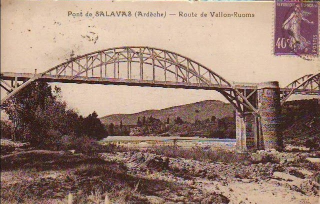 Pont support en arc de Salavas