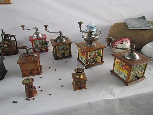 Exposition d 39 anciens moulins a cafe - Moulins a cafe anciens ...