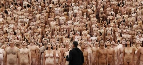 La Messe dans un Camp de nudistes