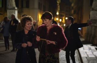 Finding Your Feet : Photo Celia Imrie, Imelda Staunton
