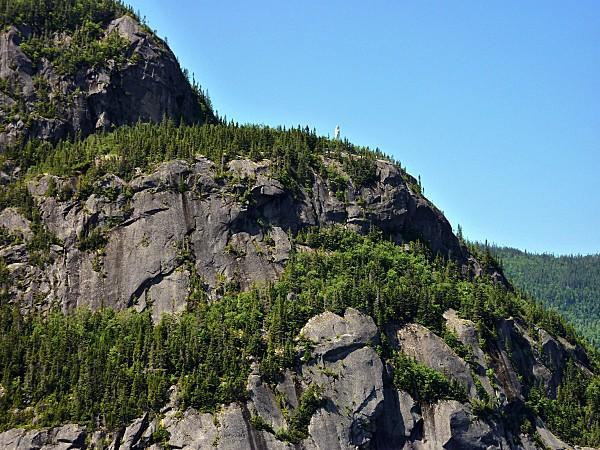 Croisiere-fjord-Saguenay-Notre-Dame-des-Monts-c.jpg