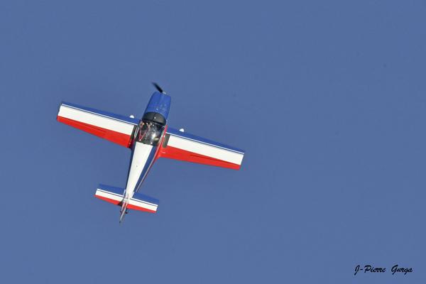 Jean-Pierre Gurga a photographié magnifiquement les avions de voltige au terrain d'Aviation de Châtillon sur Seine
