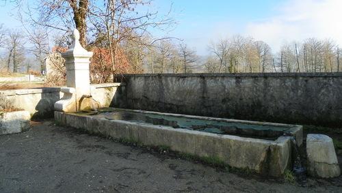 Petit patrimoine à Lompnieu ( 2 )